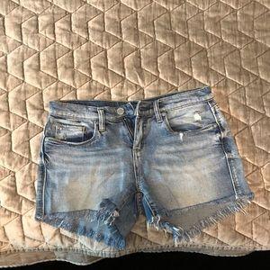 Size 26 cut off BlankNYC the Essex jean shorts